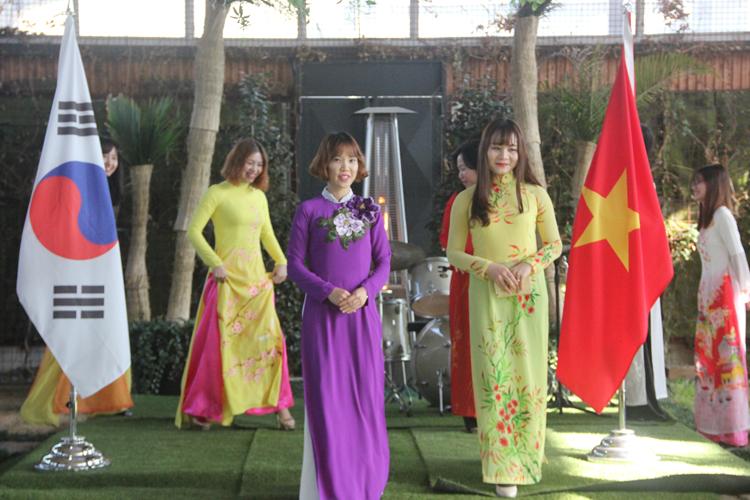 Phụ nữ Việt trên đất Hàn.