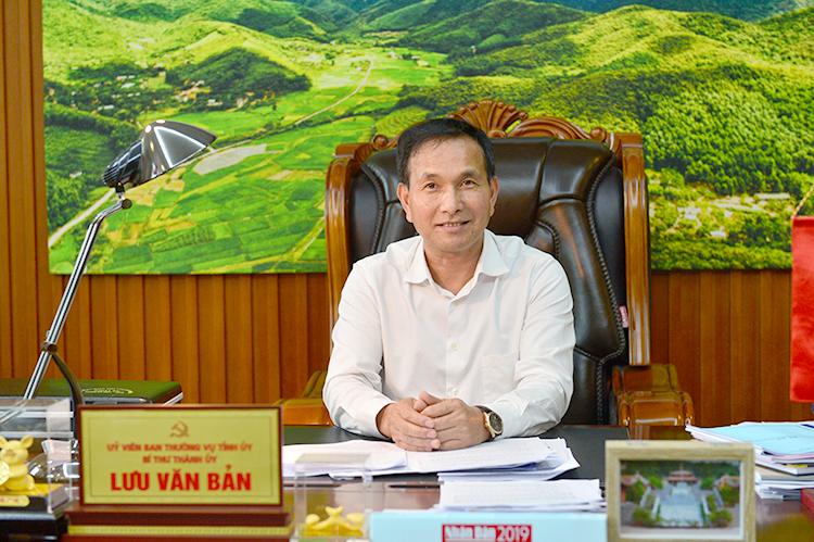 Ông Lưu Văn Bản, Bí thư Thành ủy TP. Chí Linh, Hải Dương.