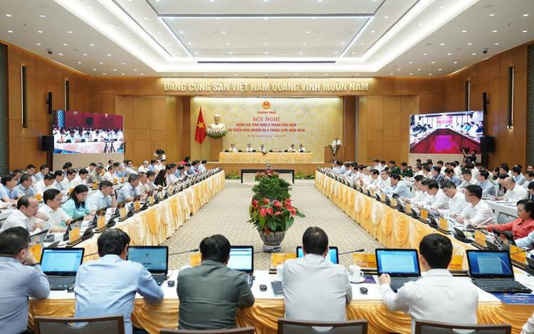 Toàn cảnh hội nghị trực tuyến toàn quốc của Chính phủ sáng 4/7.