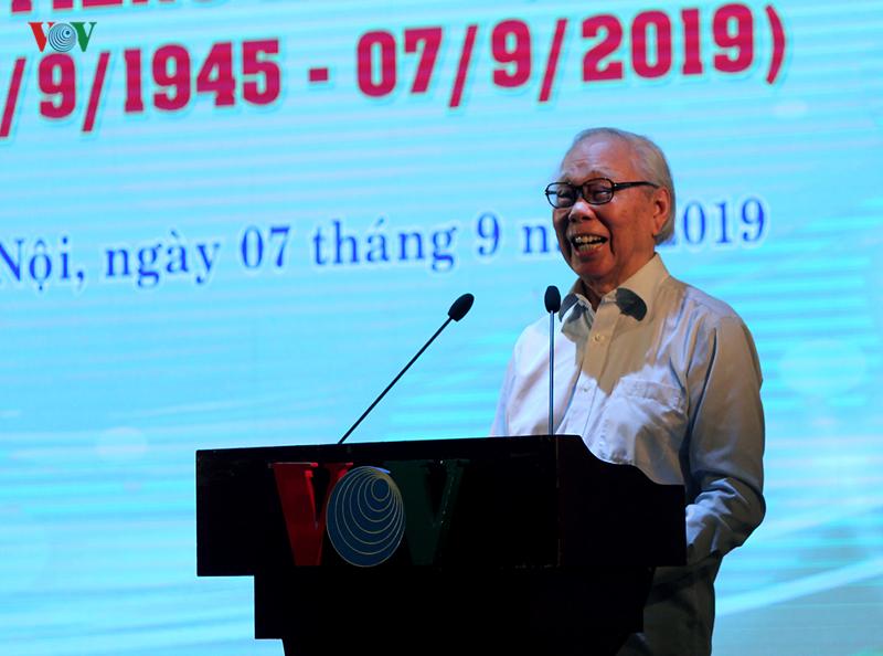 Nhà báo Phan Quang- nguyên Tổng Giám đốc Đài TNVN.