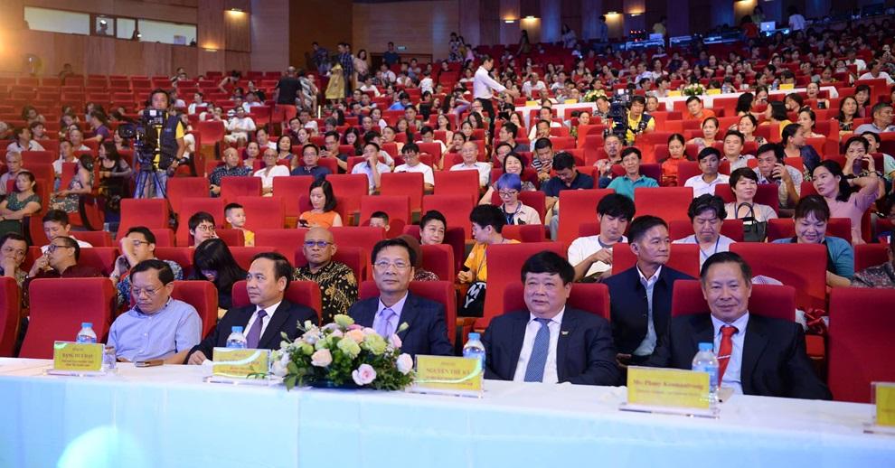 Tổng Giám đốc VOV Nguyễn Thế Kỷ, Bí thư Tỉnh ủy Quảng Ninh Nguyễn Văn Đọc và các đại biểu dự đêm bán kết
