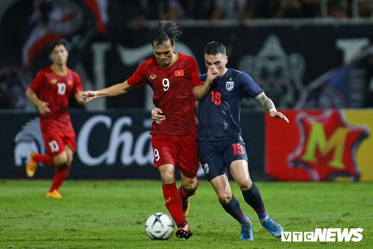 Các cầu thủ Việt Nam đang thể hiện quyết tâm cao trước trận đấu được dự đoán không dễ dàng tối nay.