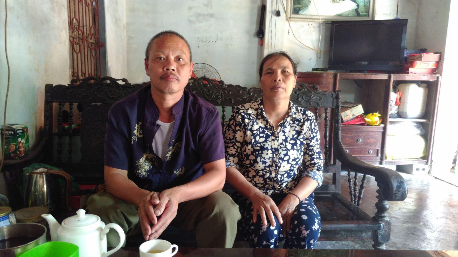 Vợ chồng ông Thà gần chục năm mới biết cán bộ xã lừa bán cả đất công cho gia đình