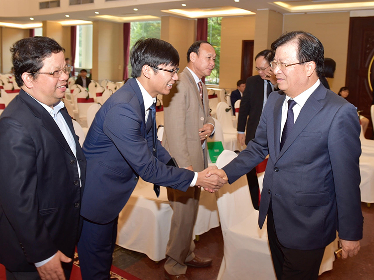 """Hội nghị """"Định hướng thu hút và sử dụng đầu tư nước ngoài trong thời gian tới"""" vừa được Bộ KH&ĐT tổ chức."""