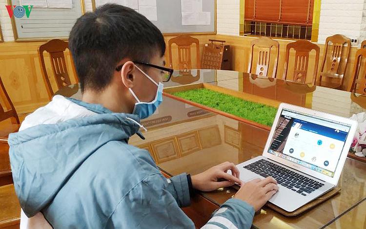 Học tại nhà là hình thức dạy và học còn rất mới mẻ ở Việt Nam.