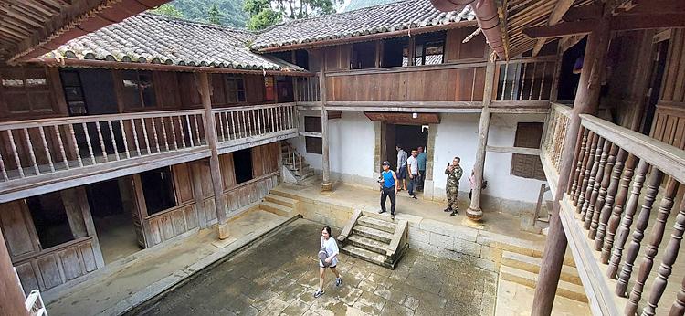 Không thể không kể đến trách nhiệm của Sở VH-TT&DL và UBND tỉnh Hà Giang trong vấn đề liên quan đến Dinh thự họ Vương. Ảnh: T.C