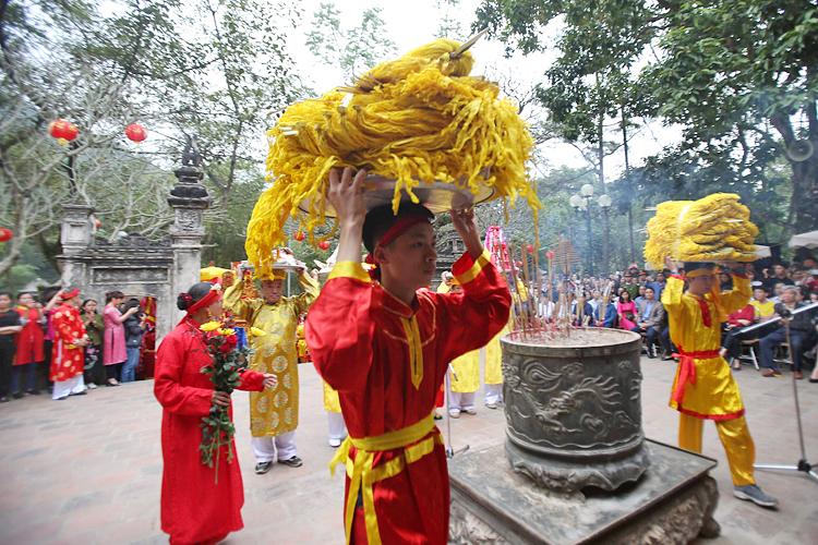 Hội Gióng đền Sóc (Sóc Sơn) diễn ra văn minh, trật tự và đậm đà bẳn sắc truyền thống. Ảnh: Thế Đại