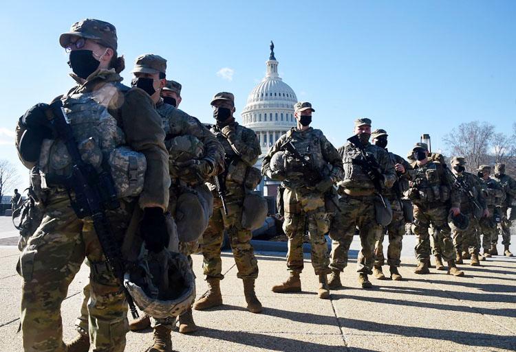 Vệ binh Quốc gia tại khu vực nhà Quốc hội Mỹ ở Washington, D.C (Ảnh: KT)
