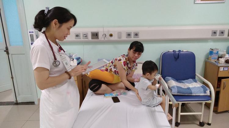 Ứng dụng CNTT giúp bác BV Nhi Trung ương chăm sóc bệnh nhân nội trú được chủ động và hiệu quả hơn.