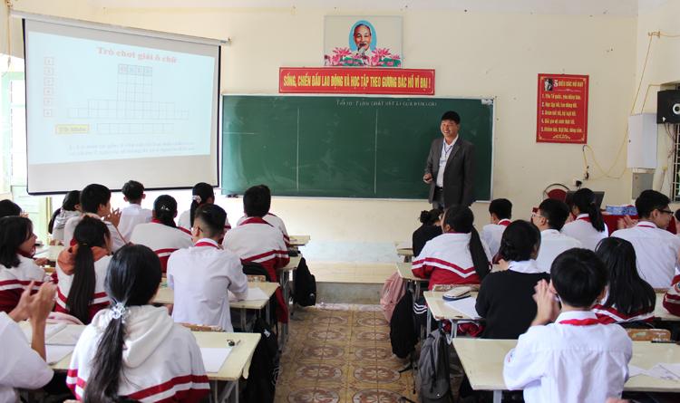Là cán bộ cốt cán bộ môn Hóa học của thành phố Sơn La.