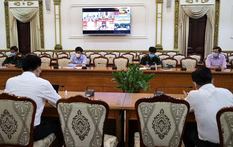 Cuộc họp giao ban trực tuyến của BCĐ phòng chống dịch Covid-19 tại TP.HCM chiều 30/3. (Ảnh: KT)