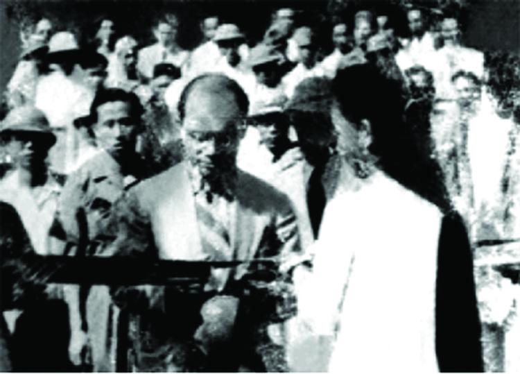 Bộ trưởng Lê Văn Hiến cắt băng khánh thành cơ sở in tiền ở ATK (ảnh: tư liệu)
