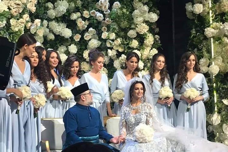 Bức ảnh được cho là ảnh chụp hôn lễ của Quốc vương Muhammad V với hoa hậu người Nga . Ảnh:Instagram