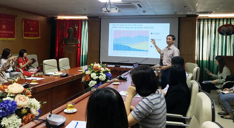 PGS.TS Nguyễn Hoàng Long, Cục trưởng Cục Y tế phòng chống HIV/AIDS (Bộ Y tế).