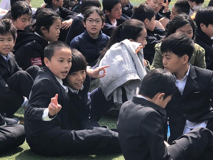 Ngay từ bậc tiểu học, các trường đều có Ủy ban phát thanh.