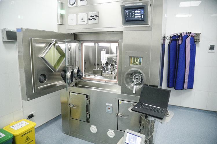 Hệ thống máy BQSV thế hệ mới của Pharmatop, đây là thiết bị hiện đại đầu tiên tại Việt Nam dùng cho chiết tách dược chất phóng xạ trong điều trị I-131 được đưa vào sử dụng tại Bệnh viện K.