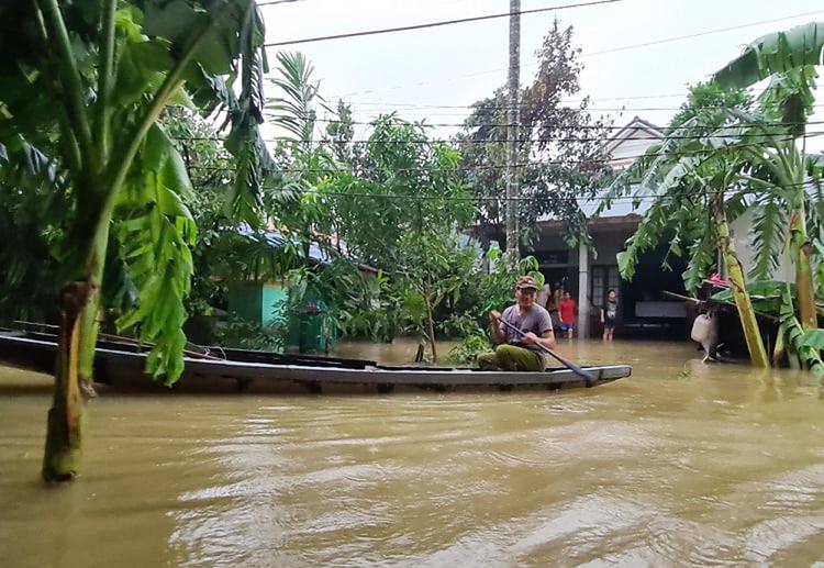 Số trường hợp mắc bệnh Whitmore tăng nhanh sau đợt mưa lũ lịch sử tại Quảng Trị