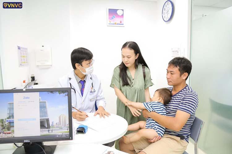 Chiến dịch tiêm dự phòng bạch hầu trên diện rộng, cho tất cả đối tượng từ 2 tháng tuổi trở lên.  (Ảnh: KT)