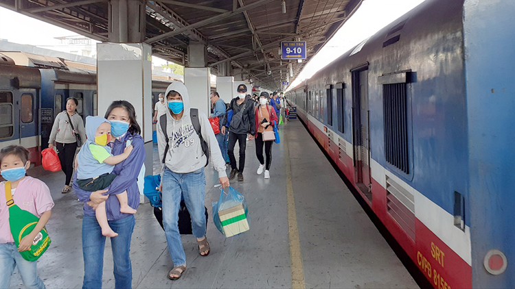 Việc cung cấp thêm số điện thoại cá nhân khi mua vé tàu nhằm kịp thời thông báo diễn biến dịch Covid-19 đến hành khách.