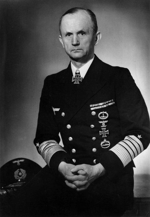 Thủy sư đô đốc Karl Donitz. (Ảnh: KT)
