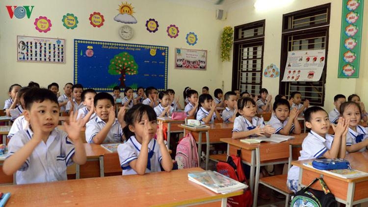 Với tính toán, dựa theo chương trình tinh giản của Bộ GD&ĐT các con sẽ đảm bảo hoàn thành chương trình tiểu học trước ngày 30 tháng 6.
