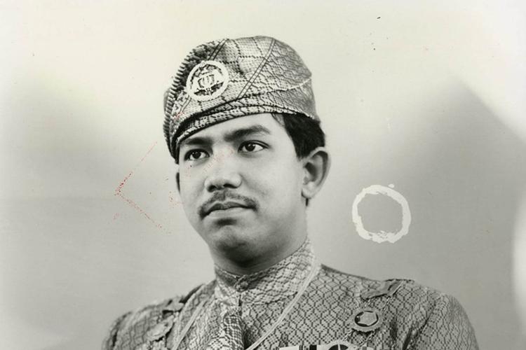 Quốc vương Hassanal Bolkiah trong bức ảnh chân dung chụp năm 1986 (Ảnh: HMJUBLIEEMAS)