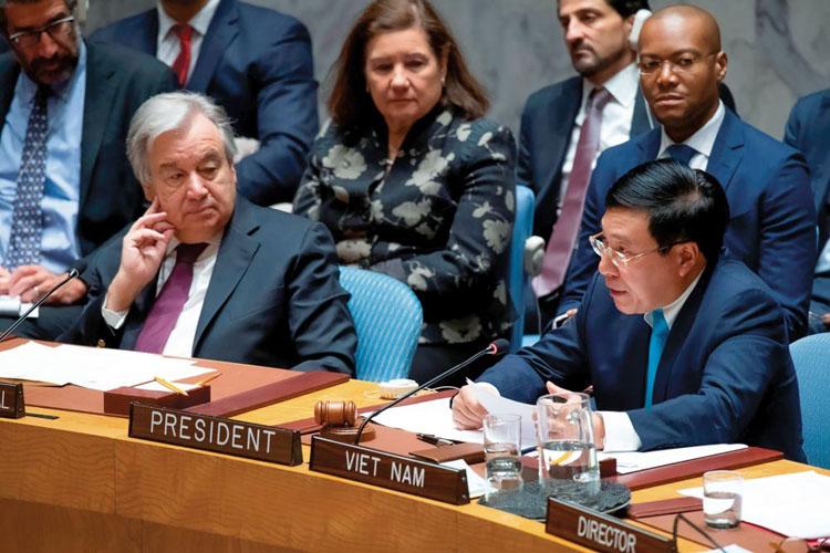 Phó Thủ tướng, Bộ trưởng Phạm Bình Minh chủ trì phiên thảo luận mở cấp Bộ trưởng của Hội đồng Bảo an LHQ với chủ đề Thúc đẩy tuân thủ Hiến chương LHQ trong duy trì hòa bình và an ninh quốc tế, ngày 9/1/2020. (Ảnh: UN)