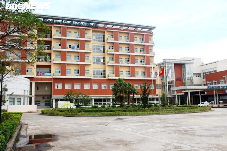 Bệnh viện Đa khoa Trung ương Quảng Nam - nơi phát hiện 1 bác sĩ và 2 điều dưỡng dương tính SARS-CoV-2.