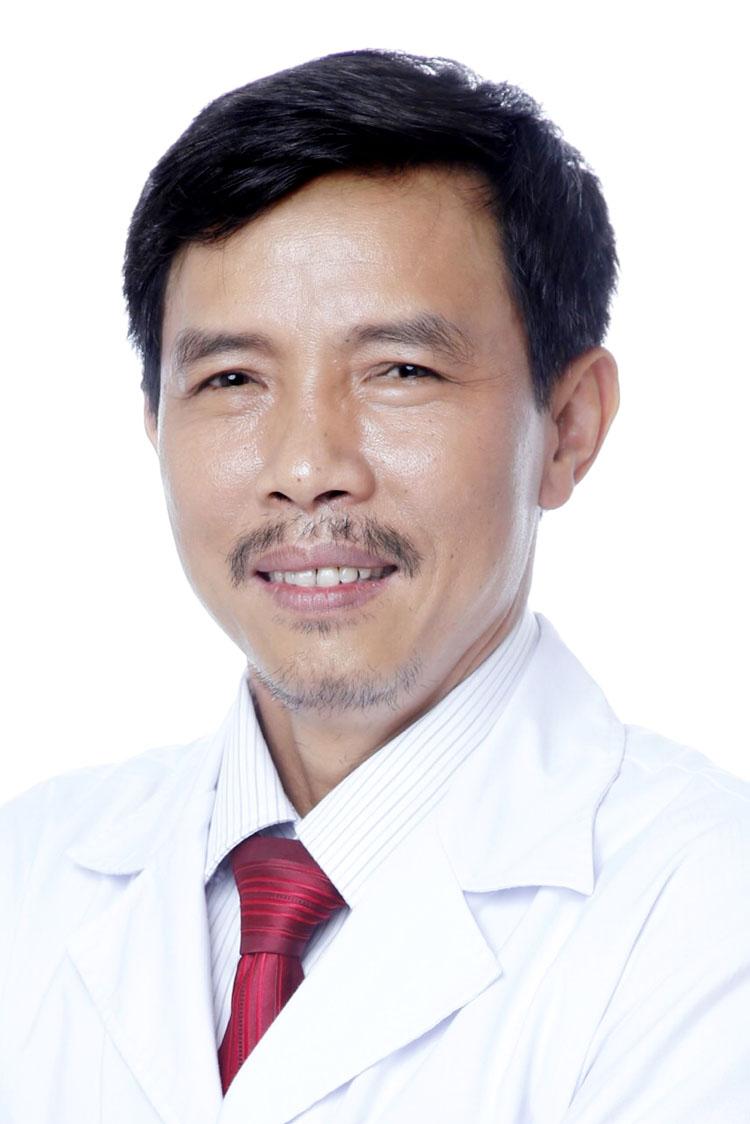 PGS.TS.BS Cao Minh Thành, Giám đốc Trung tâm Tai mũi họng và phẫu thuật cấy ốc tai của BV Đại học Y Hà Nội.