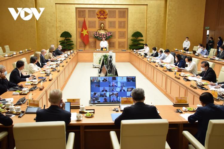 Toàn cảnh buổi làm việc giữ Thủ tướng với các doanh nghiệp châu Âu.