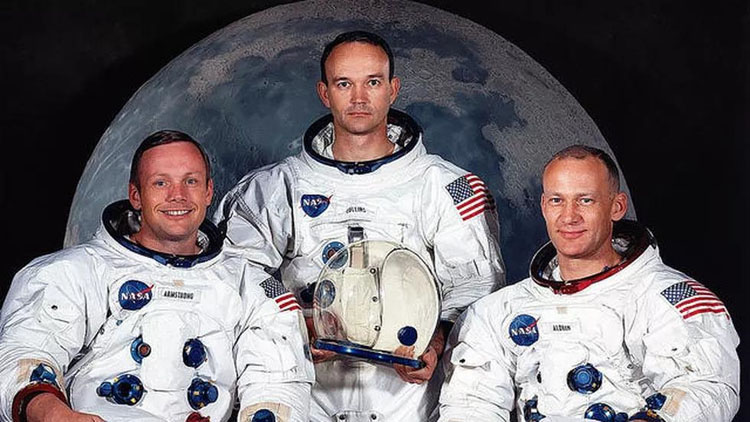 Phi hành đoàn hạ cánh thành công lên Mặt Trăng: Neil Armstrong (trái), Michael Collins (giữa) và Buzz Aldrin. Armstrong và Aldrin là hai phi hành gia sau đó đặt chân lên Mặt Trăng. Collins ở lại modul bay trên quỹ đạo của Apollo 11 (Ảnh: NASA)