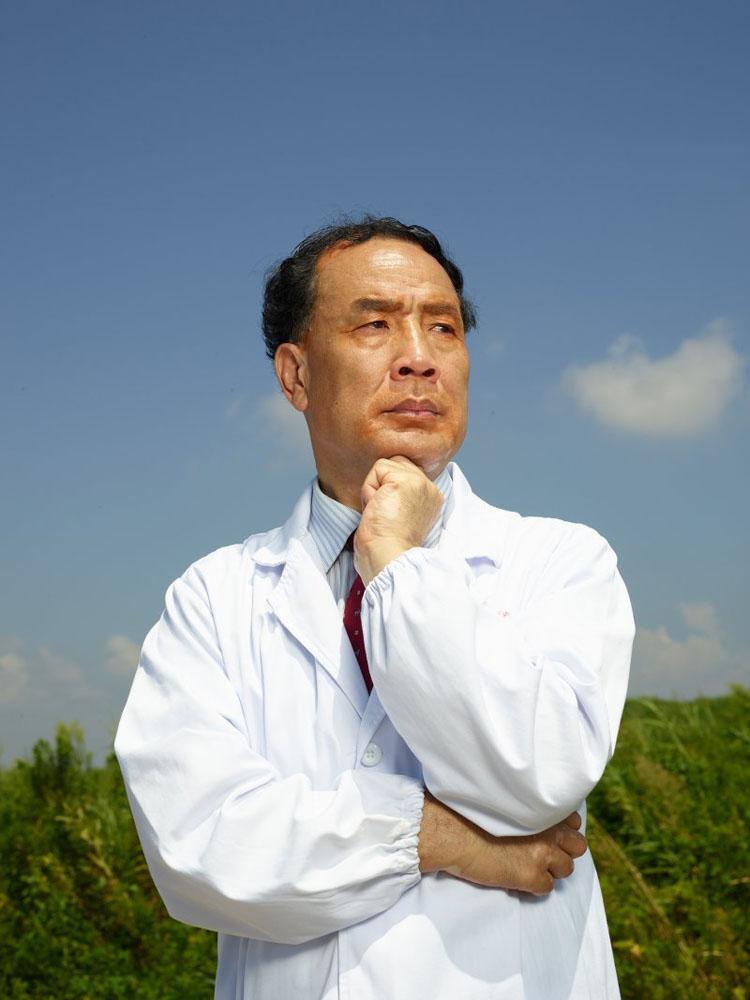 Tạp chí Time nổi tiếng của Anh đã bình chọn giáo sư Trương Vĩnh Chấn vào Top 100 nhân vật ảnh hưởng nhất thế giới năm 2020.