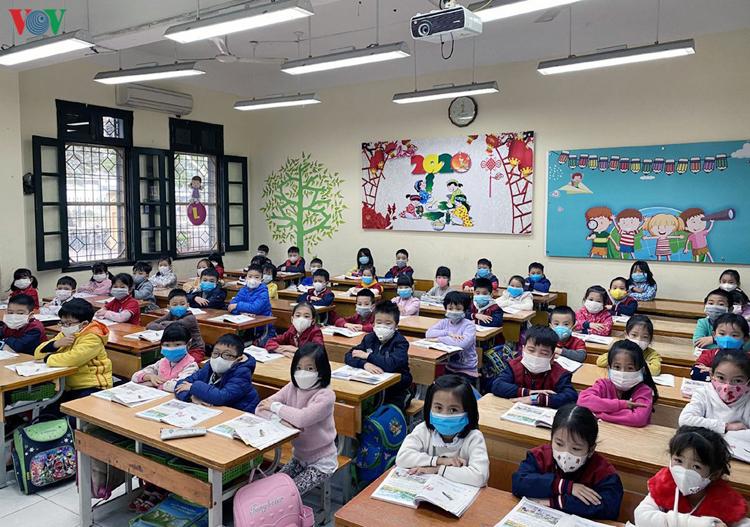 Học sinh cấp tiểu học và mầm non của thành phố Hà Nội sẽ quay trở lại trường sau sau thời gian nghỉ dài để phòng, chống dịch Covid-19.