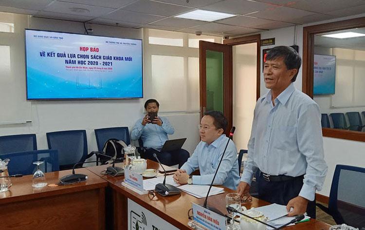 Ông Nguyễn Văn Hiếu, Phó Giám đốc Sở Giáo dục và Đào tạo T.HCM.