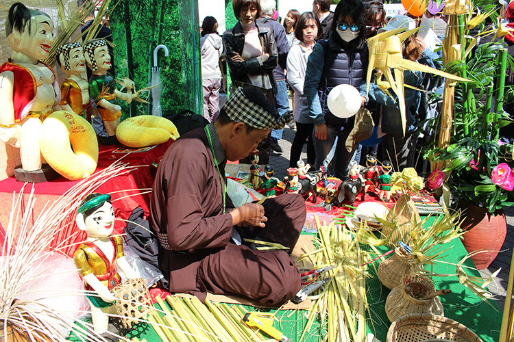 Nghệ thuật truyền thống Việt Nam được giới thiệu tại Lễ hội Việt Nam tại tỉnh Kanagawa, Nhật Bản (ảnh: Bùi Hùng)