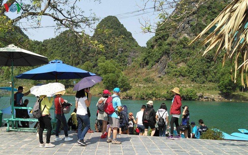 Khách du lịch đến Quảng Bình giảm do dịch nCoV.