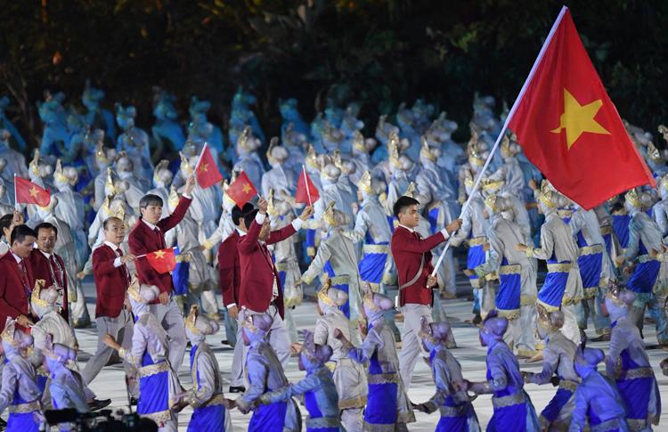 Vũ Thành An được trao vinh dự cầm cờ tại lễ khai mạc nhiều giải đấu lớn.