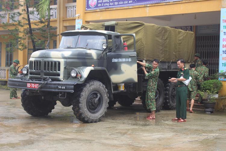 Đơn vị Công binh 414 sẵn sàng lên đường tìm kiếm cứu nạn.
