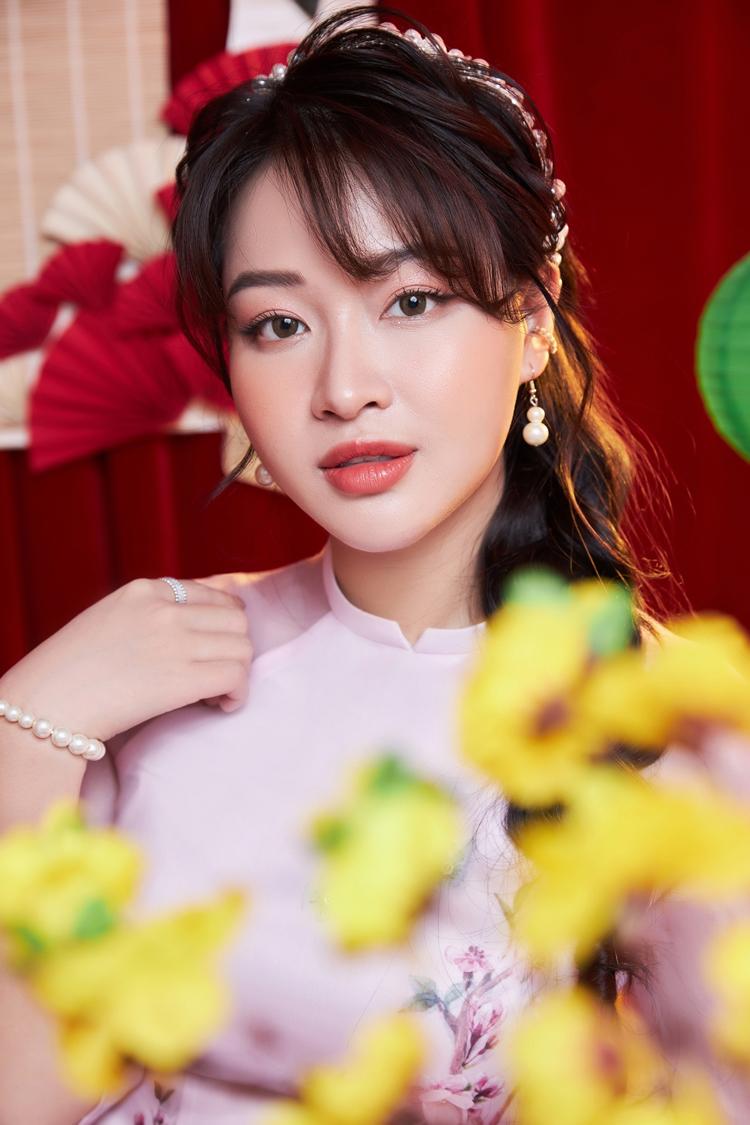 Bùi Dương Thái Hà có đủ các yếu tố để trở thành một ca sĩ thành công trên sân khấu.