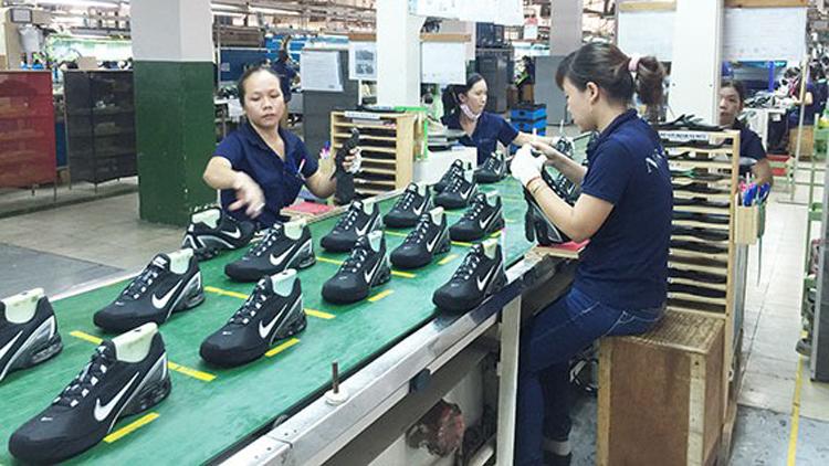 Công nhân ở Đồng Nai trong giờ làm việc (Ảnh: Báo Đồng Nai)