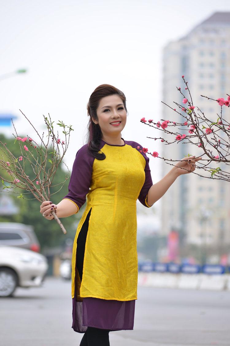 Ca Huế đã dẫn đường đưa Hương đến với Đài TNVN.