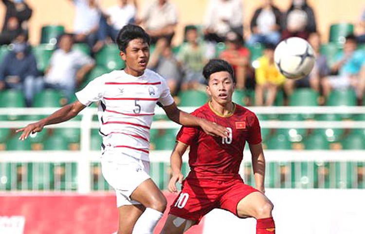 """Thất bại 1-2 của U18 Việt Nam trước """"đàn em"""" U18 Campuchia trong khuôn khổ vòng bảng giải U18 Đông Nam Á 2019 vẫn để lại cho người hâm mộ cả nước những """"dư chấn"""" rất nặng nề."""