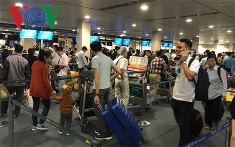 Theo khung giá vé máy bay nội địa mới từ 1/7 của Bộ GTVT, mức giá vé cao nhất một chiều cho đường bay cự ly từ 1.280 km trở lên là 3,75 triệu đồng/vé.