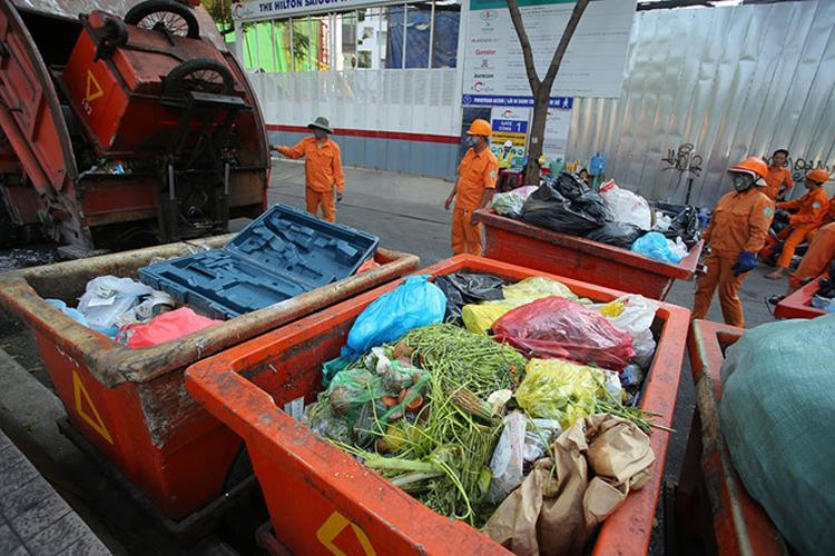 Ô nhiễm, mất an toàn từ chính hoạt động vệ sinh môi trường.