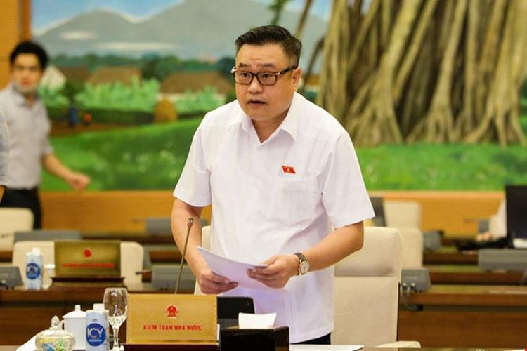 Tổng Kiểm toán nhà nước Trần Sỹ Thanh trình bày các báo cáo. Ảnh: Quốc hội
