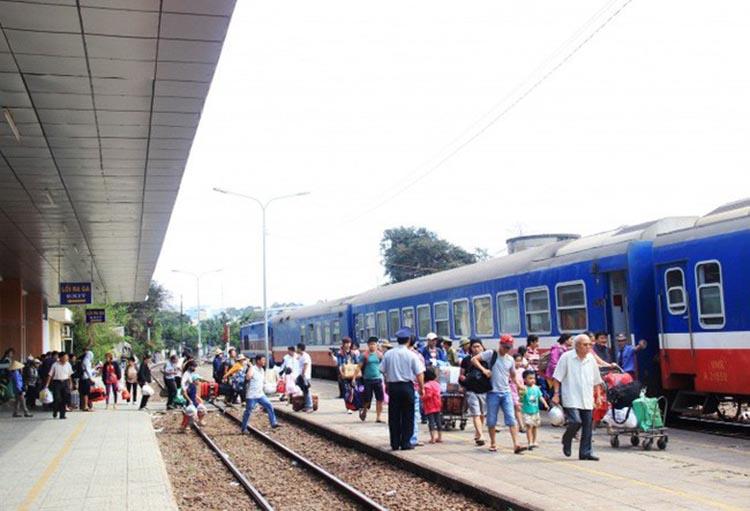 Với các tuyến cố định đi từ Hà Nội và ngược lại, TP Hồ Chí Minh và ngược lại: Chỉ vận chuyển hành khách tối đa 02 chuyến/ngày đối với các tuyến dưới 100km.