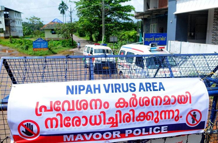 Một đoạn đường bị chặn trong đợt bùng phát dịch bệnh do virus Nipah tại bang Kerala, Ấn Độ đầu tháng 9/2021. Ảnh: Getty