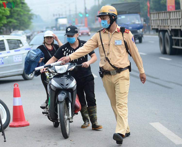Cảnh sát giao thông được phép dừng các phương tiện (ảnh minh họa).