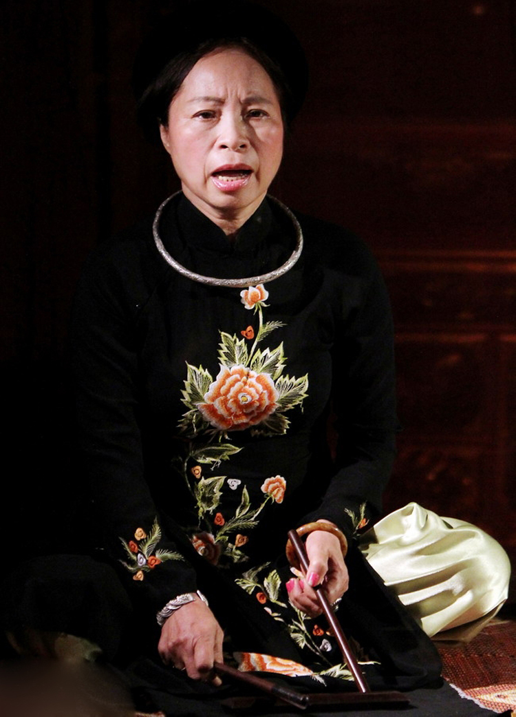 NSƯT Bạch Vân cho rằng, số phận bà đã gắn với ca trù thì mãi mãi sống chết với nghề