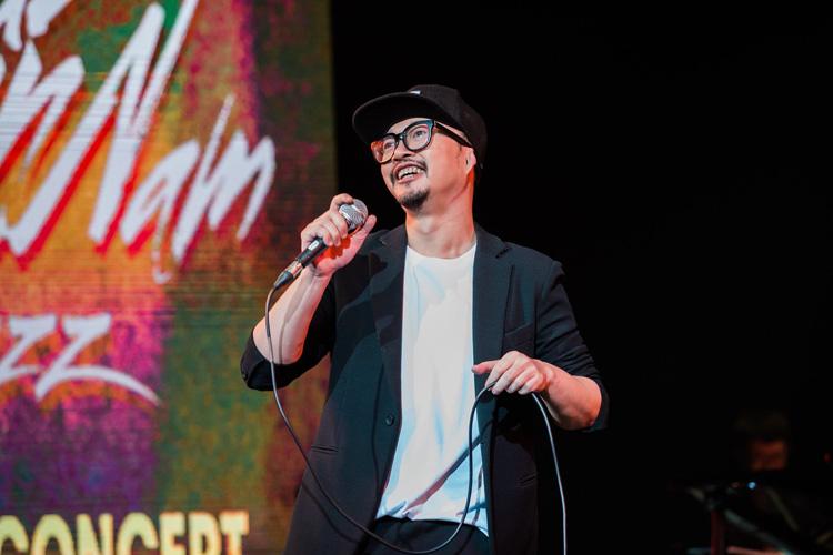 Những năm gần đây, Hà Lê nỗ lực làm mới nhạc Trịnh qua dự án Trịnh Contemporary.